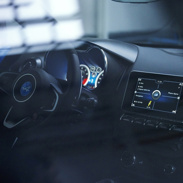 alpine_a110_inter_wheel_screen_1600x900